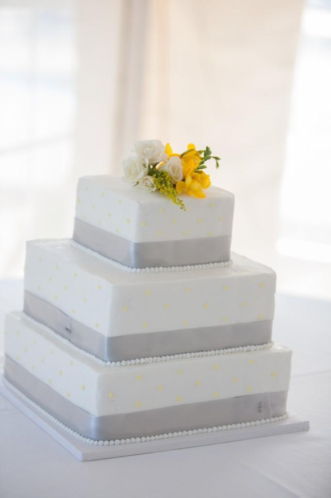 Maine Wedding Cakes || Maine Wedding Photography - Kivalo ...