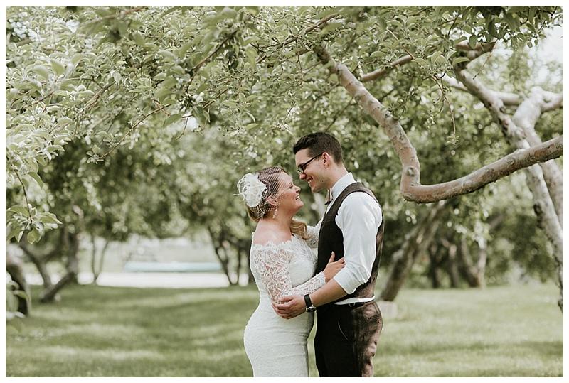 romantic-barn-wedding-maine_0002