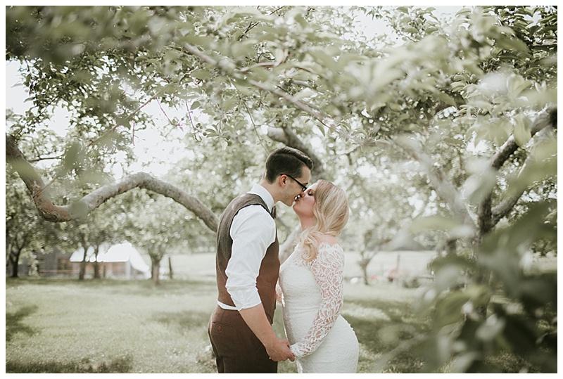 romantic-barn-wedding-maine_0008