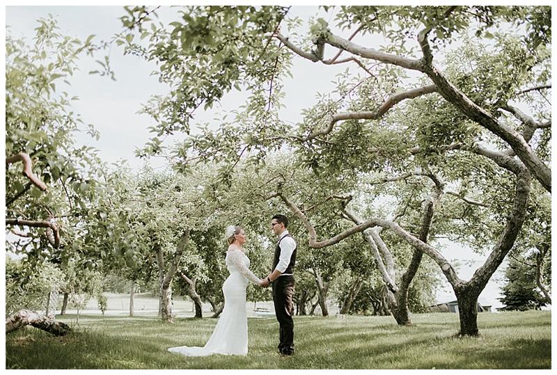 romantic-barn-wedding-maine_0012