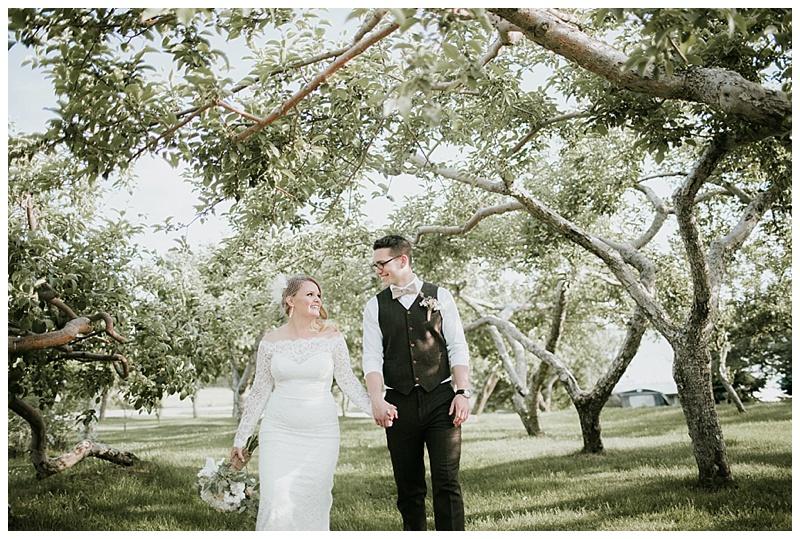 romantic-barn-wedding-maine_0015