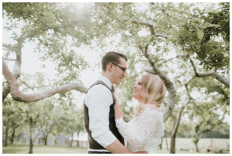 romantic-barn-wedding-maine_0016