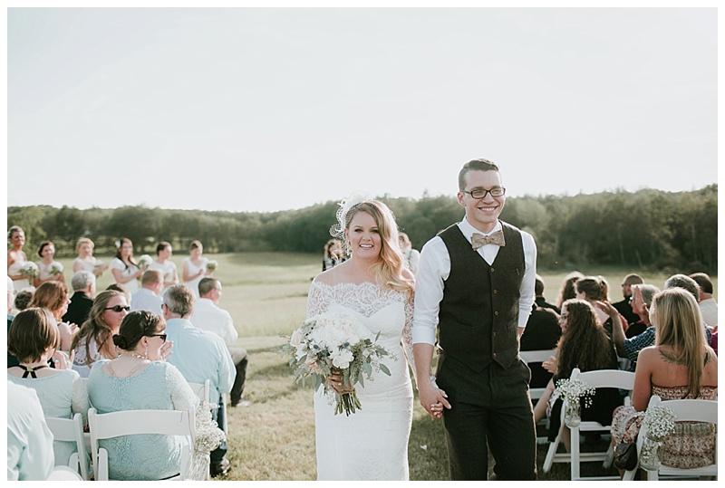 romantic-barn-wedding-maine_0019