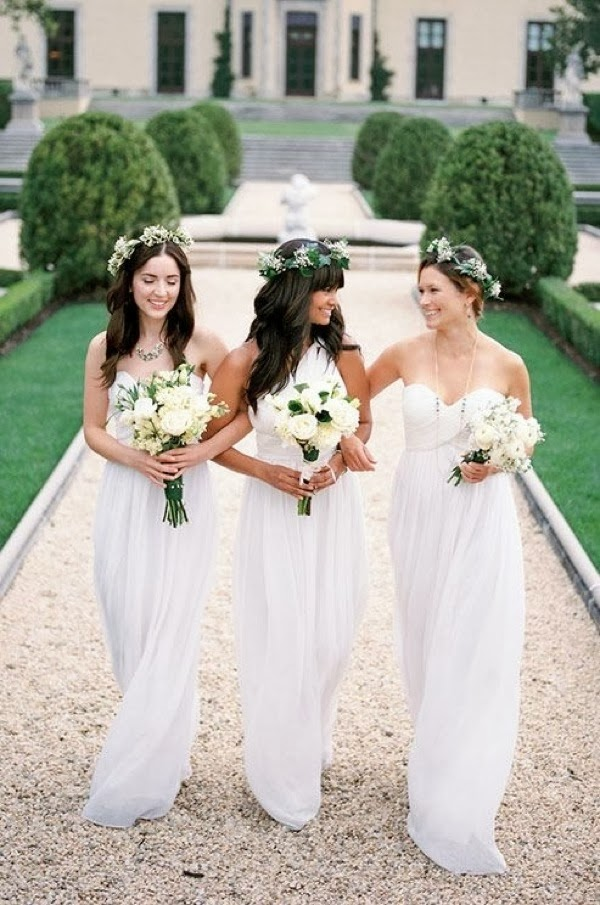 all_white_bridesmaids_2