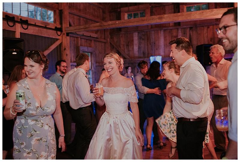 barn-at-flanagan-farm-wedding_0076