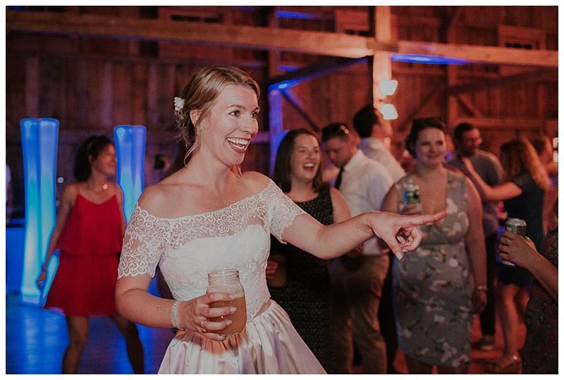 barn-at-flanagan-farm-wedding_0083