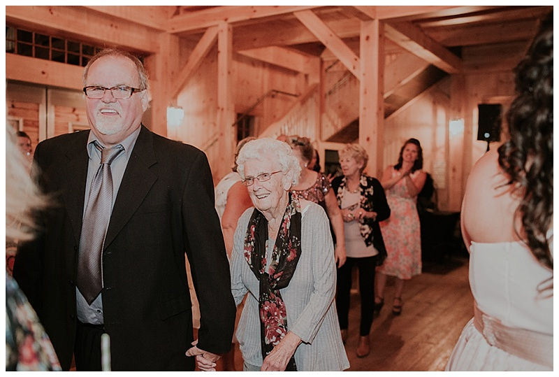 Beech-Hill-Barn-Wedding_0016